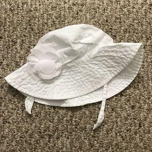 Carter's Infant Sun Hat size 0-9 months